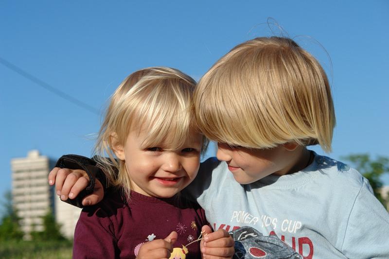 Сестра закадрила с братом 2 фотография